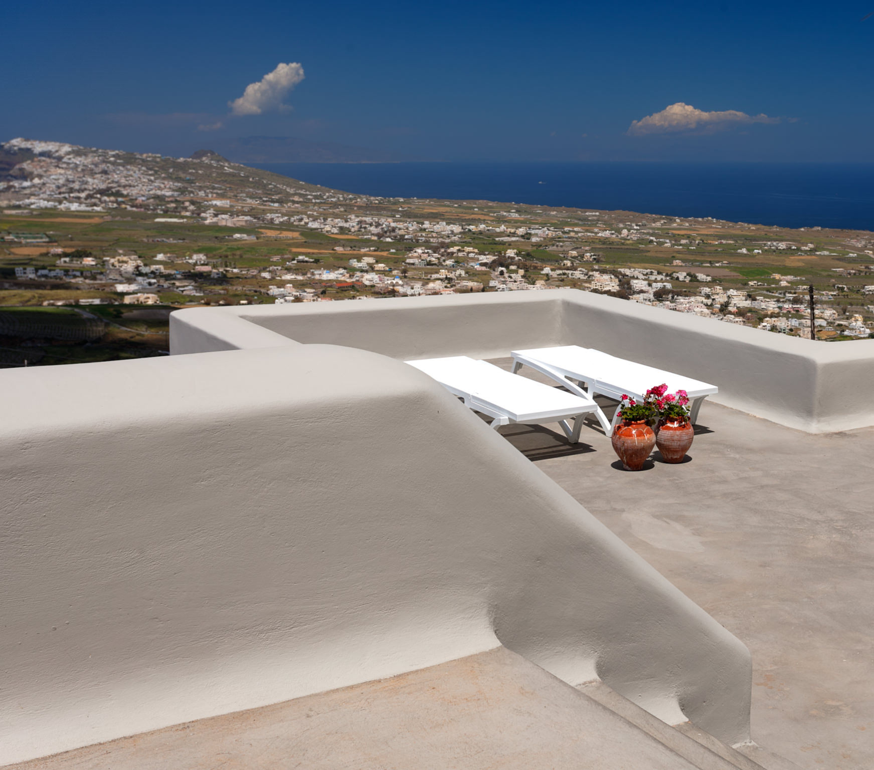 Luna Villas & Luxury Suites at Santorini, Greece